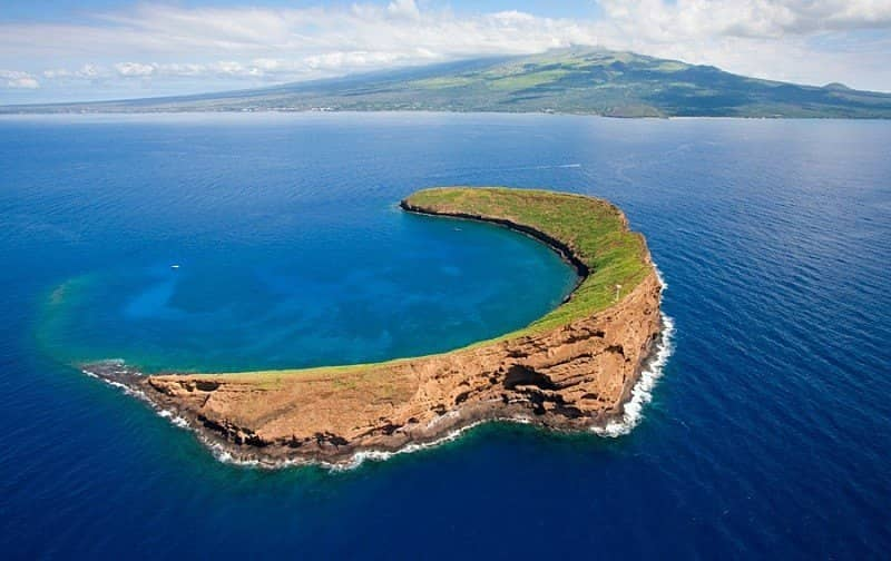 Molokini crater s back wall maui snorkeling tours from kihei hawaii